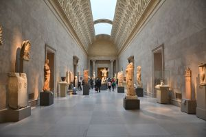 Metropolitan Museum of Art applies entry fees for the first time in half a century