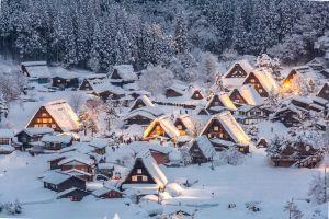 Un village féerique tout droit sorti de la Reine des Neiges au Japon