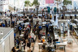 Attrape-moi si tu peux : une Américaine voyage plusieurs fois sans billet d'avion