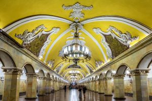 PHOTOS: Le métro russe, véritable galerie d'art souterraine