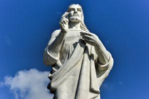Fünf der prächtigen Statuen von Jesus Christ