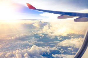 Savez-vous à quoi sert le petit trou sur les hublots des avions ?