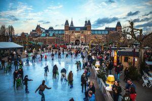 A Amsterdam, on patine sur les canaux