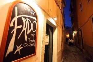 In Lissabon die Fado-Musik zu erleben