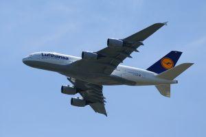 Lufthansa hits record profits after Air Berlin go bankrupt