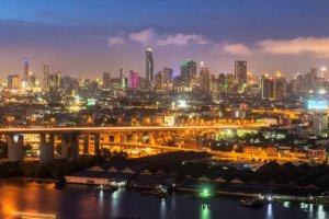 In Bangkok Jetzt wird Maske getragen