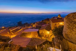 Village portugal cailloux histoire