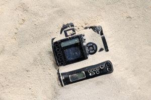 Elle retrouve son appareil photo deux ans après l'avoir perdu en mer