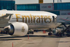 Emirates assume personale di bordo