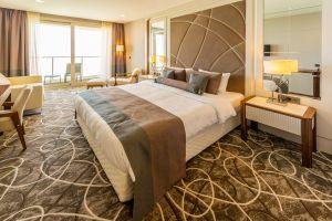 Hotelmysterium Wozu dient der Bettschal am Fußende?
