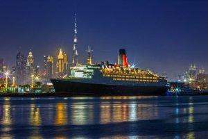 Un paquebot transformé en hôtel de luxe à Dubaï