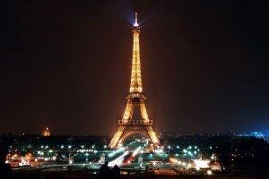 Paris et Lyon, les deux capitales de la lumière