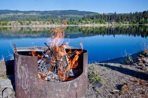 Trop pollué, un lac indien s'embrase !