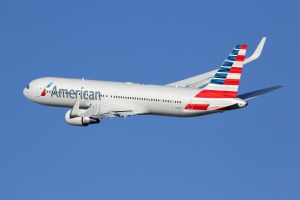 Un passager exclu d'un avion pour avoir volé de l'alcool