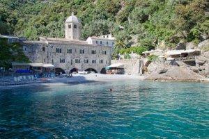 Liguria FAI promuove abbazia San Fruttuoso acqua sorgente