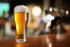 Probieren Sie ein Abwasser -Bier in Schweden