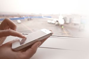 Die meisten Flugreisende aus Deutschland sind gegen Smartphones im Flugzeug