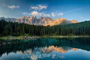 lago arcoiris descubre norte italia