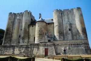 Obtenir une forteresse dans les Deux-Sèvres c'est désormais possible