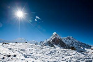 Une glace étonnamment chaude observée dans le plus haut glacier du monde