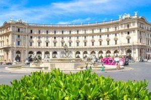 Italien: Rom gegen die Reisebus- Lawine