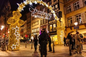 Attacco a Stasburgo: chiusi i mercatini di Natale. La Francia dichiara lo stato di allerta.