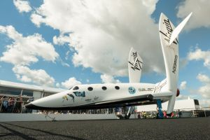 Le vaisseau spatial de Virgin Galactic a réussi son premier vol habité dans l'espace
