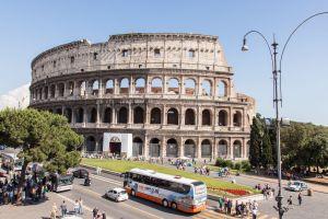 Roma prohíbe la circulación de autobuses turísticos en su centro histórico