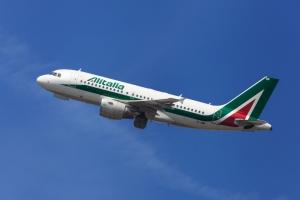 Compagnies aériennes les plus ponctuelles  Alitalia et Ryanair sur le podium