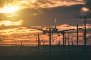 Dorian  certains aéroports de Floride fermés à cause de l'ouragan