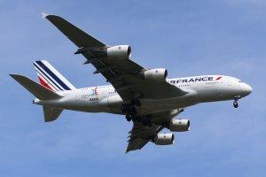 Air France suspend tout survol des espaces aériens iranien et irakien