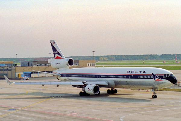 Delta pre-loads carry-on luggage to cut delays - Easyvoyage