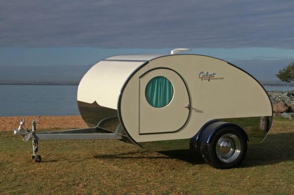 la plus petite caravane au monde easyvoyage. Black Bedroom Furniture Sets. Home Design Ideas