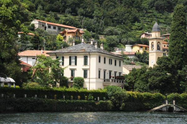 George clooney pense mettre en vente sa villa italienne easyvoyage - Maison de georges clooney lac de come ...