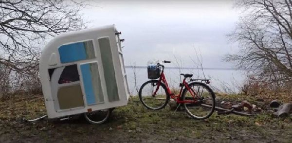 die revolution des campings ein wohnwagen f r das fahrrad easyvoyage. Black Bedroom Furniture Sets. Home Design Ideas