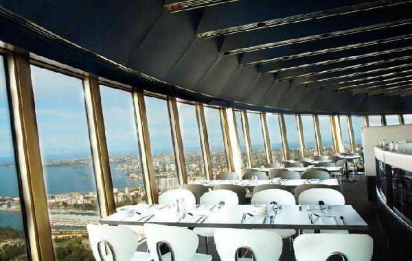 50 of the world 39 s most stunning restaurant views easyvoyage for Cafe du jardin eze