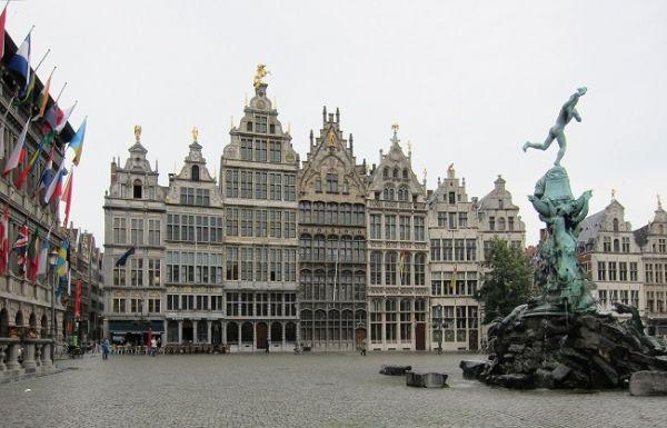 Antwerp y el gigante