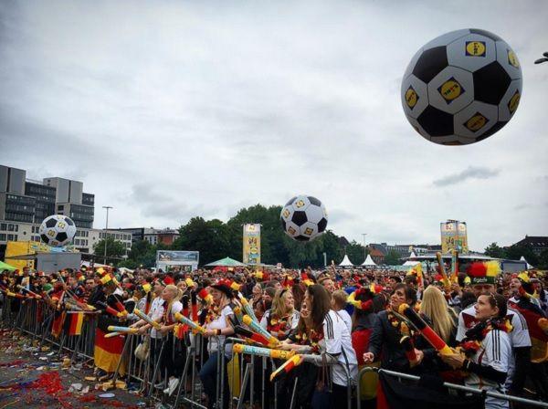 Public Viewing Heiligengeistfeld