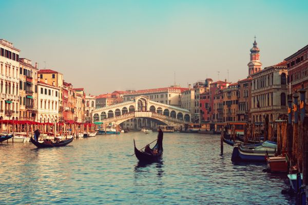 10 Fascinating Facts about Gondolas