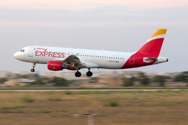 Iberia Express ofrece un 35% de descuento en los vuelos adquiridos desde su web