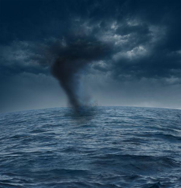 Malgré les tornades, ce pilote réussi à poser son avion sans encombre
