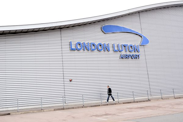 Yet again Luton scores poorly in airport ranking survey.