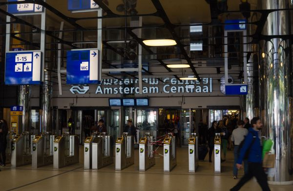 No more ads for junk food in Amsterdam's metro stations