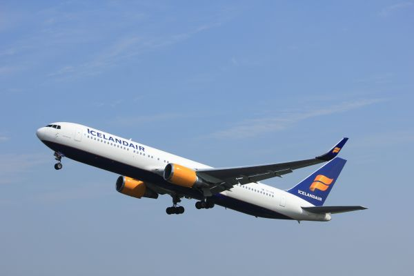 Icelandair launches onboard immersive theatre show