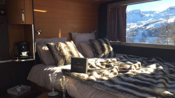 Dormir en una quitanieves: lo último en alojamientos invernales