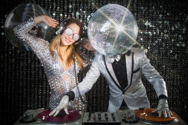 Räum die Tanzfläche, ich bin von der Musik infiziert