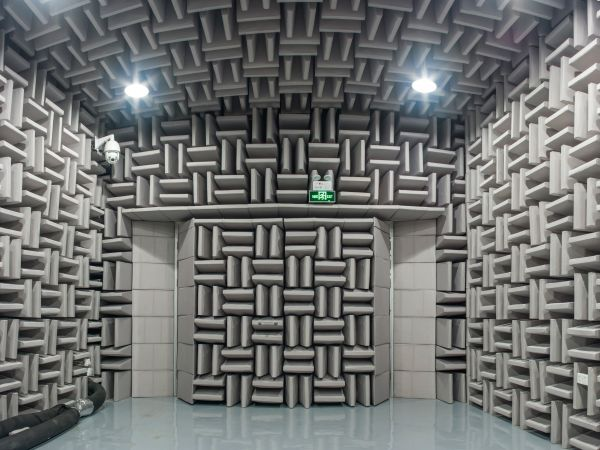 Visit an anechoic chamber in the heart of Paris