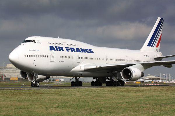 Air France decollerà da Bari e Cagliari per Parigi a 79 euro per l'estate 2018