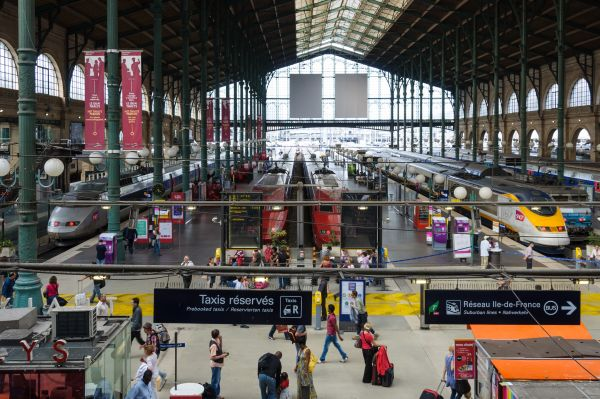 French Monday services are hit by French rail strike and leaves SNCF with '100 million euro' bill