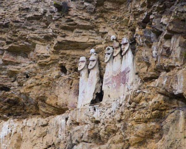 Les momies de Karajía